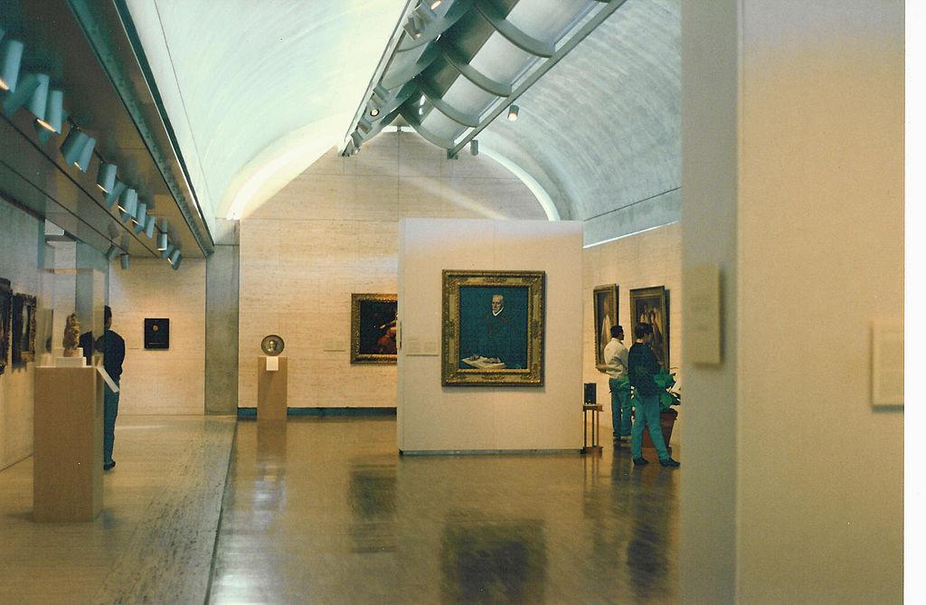 1024px-Kimbell_Art_Museum_interior